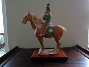 Musikant auf Pferd, dreifarbig, Tang-Dynastie, Xi'an